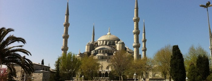 Sultan Ahmet Camii is one of Istanbul Tourist Attractions by GB.