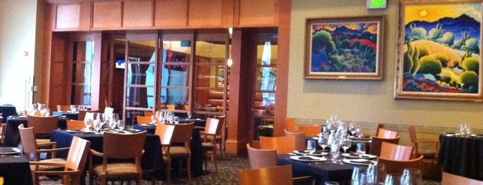Lexus Arena Club Restaurant is one of Lugares favoritos de Enrique.