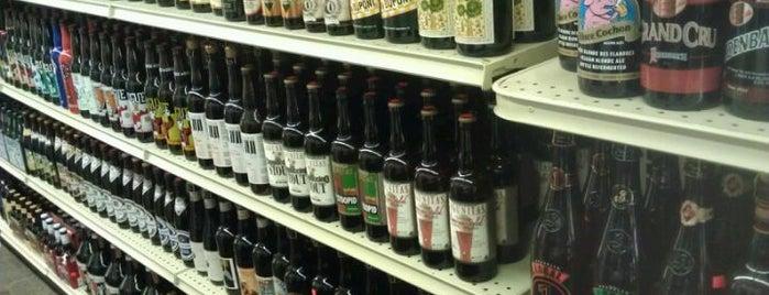 Hampton Falls Village Market is one of Seacoast Beer Stuff.