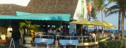 Aruba Beach Cafe is one of Lynnes list.