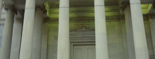 Gallier Hall is one of สถานที่ที่ Christopher ถูกใจ.