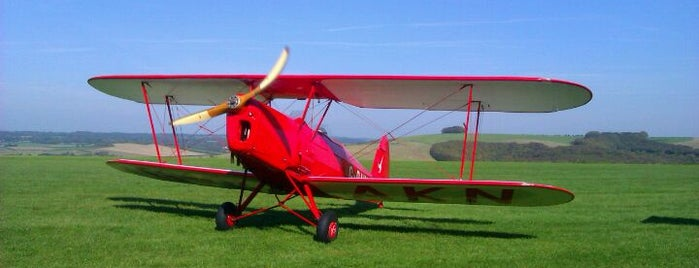 Compton Abbas Airfield is one of Henryさんのお気に入りスポット.