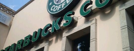 Starbucks is one of Locais curtidos por Stephania.
