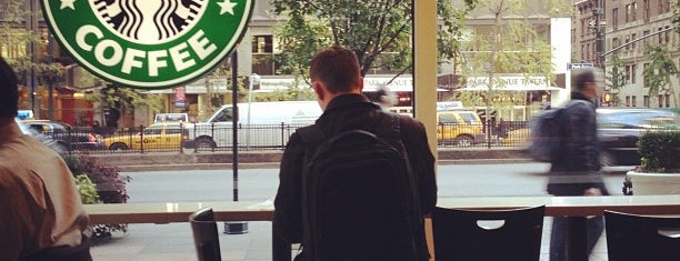 Starbucks is one of สถานที่ที่ Nina ถูกใจ.