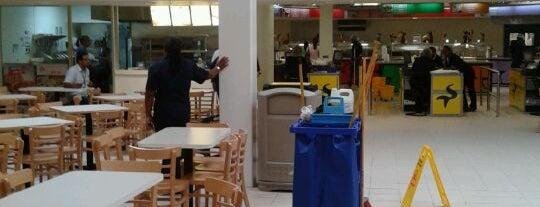 Food Court La Sirena is one of Lugares favoritos de Mika.
