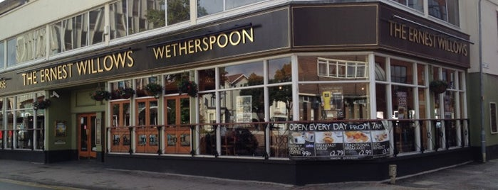 The Ernest Willows (Wetherspoon) is one of Carl'ın Beğendiği Mekanlar.