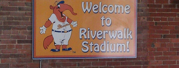 Montgomery Riverwalk Stadium is one of Gespeicherte Orte von Damon.