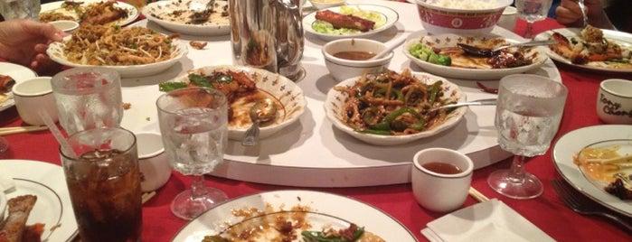 Tony Cheng's Restaurant is one of Posti che sono piaciuti a Phil.
