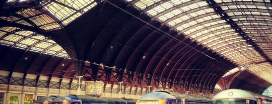 Estación de Tren Paddington (PAD) is one of Railway stations visited.