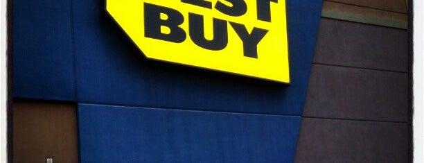 Best Buy is one of Lugares favoritos de Rob.