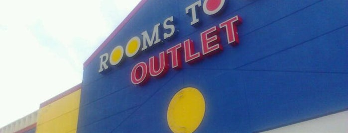Rooms To Go Outlet Furniture Store is one of Rolandさんのお気に入りスポット.
