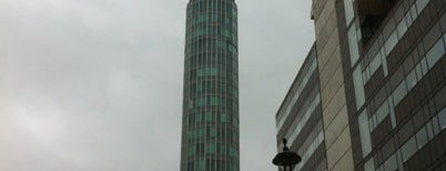 BT Tower is one of Londres / London.