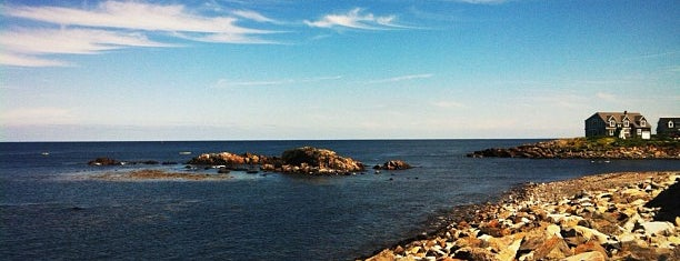 Perkins Cove is one of Lugares favoritos de Chrissy.