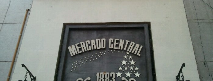 Mercado Central is one of Lieux qui ont plu à Mauricio.