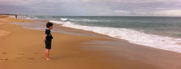 Ninety Mile Beach is one of Visit Victoria.