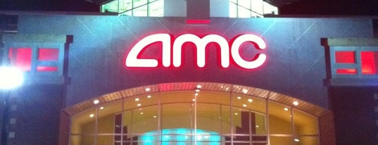 AMC Showplace Naperville 16 is one of Swetaさんのお気に入りスポット.