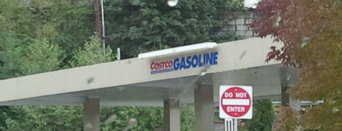 Costco Gasoline is one of Tempat yang Disukai Maxwell.