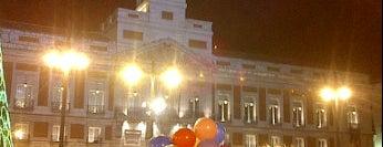 Puerta del Sol is one of Conoce Madrid.