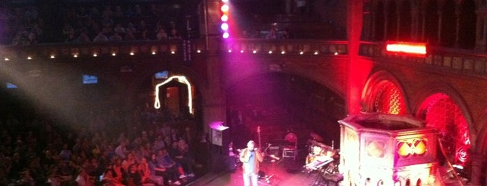 Union Chapel is one of Dirty FUXX's Guide to London on the Cheap.