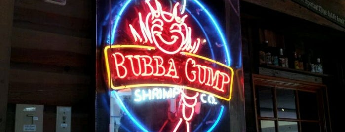 Bubba Gump Shrimp Co. is one of Lieux qui ont plu à Julie.