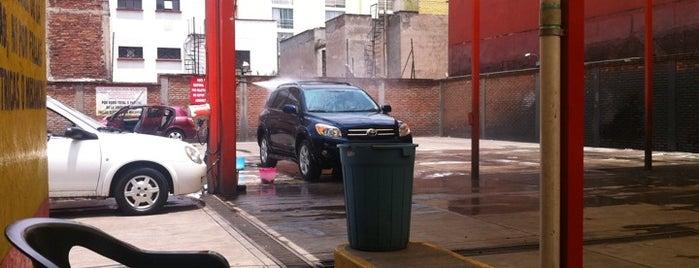 Station Car Wash is one of Tempat yang Disukai Mónica.