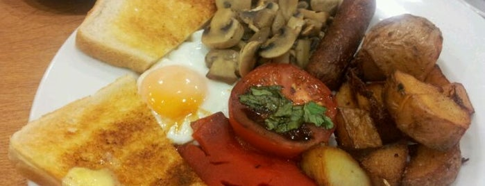 Mess Cafe is one of Hackney Breakfast & Brunch, yeah!.