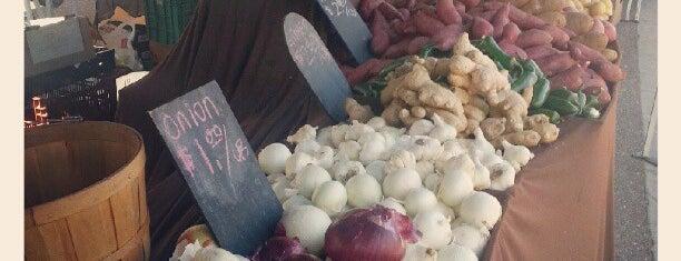 Los Feliz Farmer's Market is one of My to-dos in LA.