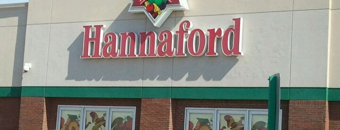 Hannaford Supermarket is one of Lugares favoritos de Kirk.