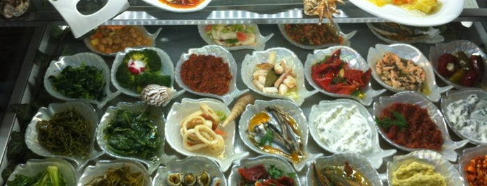 Ayvalık Meze Balık is one of Fatihさんのお気に入りスポット.