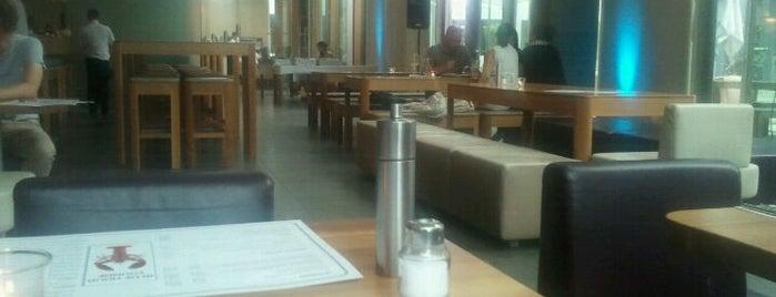 MACE Restaurant is one of (26) Alexanders Woche.