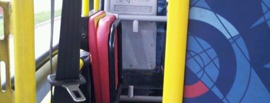 Ônibus Linha 105.2/106.2 (Grande Circular) is one of Locais curtidos por Larissa.