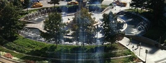 Columbus Circle is one of A faire à New-York en une semaine.