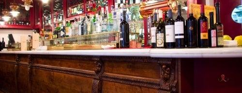 Restaurante Taberna La Cruzada is one of De cañas por las 50 tabernas centenarias de Madrid.