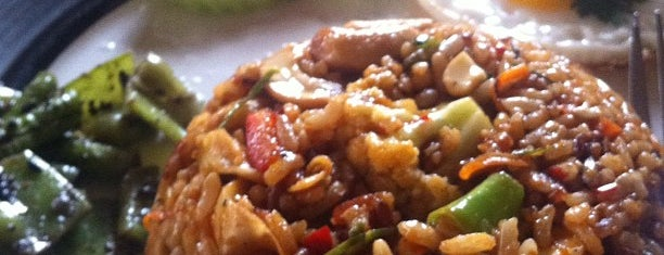 Pun Pun Organic Vegetarian Restaurant (พันพรรณ) is one of chiang mai.