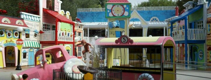 Curious George Goes To Town is one of My vacation @Orlando.