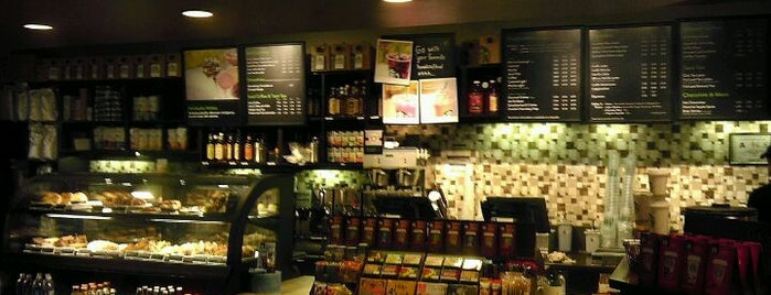 Starbucks is one of Posti che sono piaciuti a Michael.