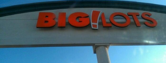 Big Lots is one of Lieux qui ont plu à Mzz.