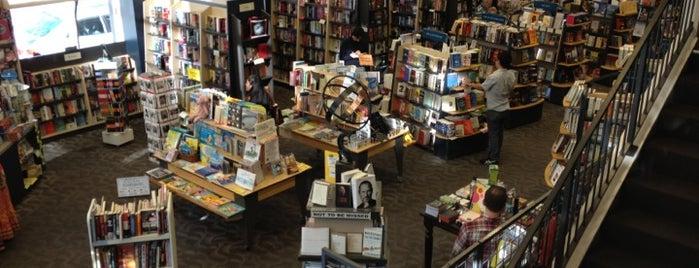 Books Inc. is one of Gespeicherte Orte von Sarah.