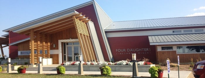 Four Daughters Vineyard & Winery is one of Lieux qui ont plu à Jason.