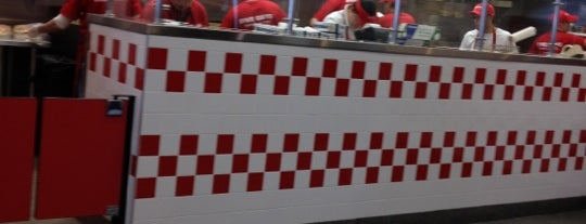 Five Guys is one of Lieux qui ont plu à Yvette.