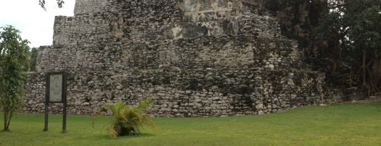 Zona Arqueológica El Meco is one of Explore the Mayan Paradise: Cancún #4sqCities.