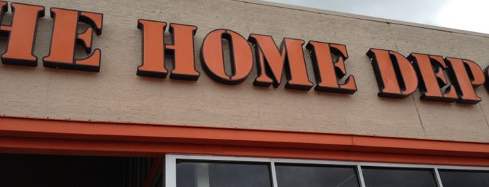 The Home Depot is one of Heathさんのお気に入りスポット.