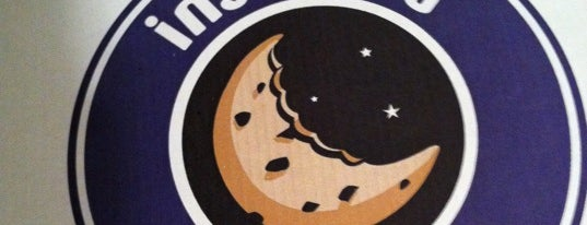 Insomnia Cookies is one of Orte, die Guha gefallen.