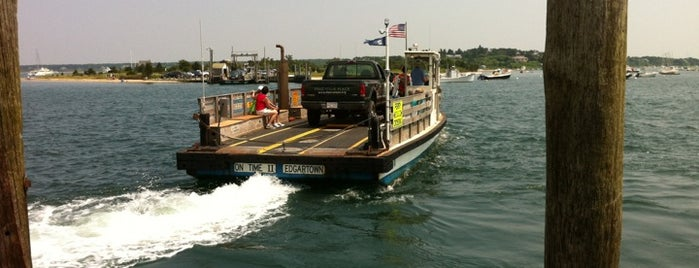 Chappaquiddick Ferry is one of Lugares favoritos de Scott.