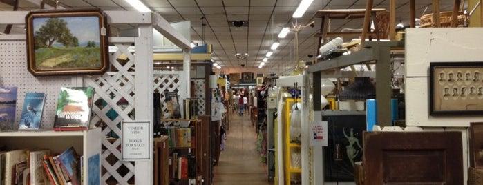 Austin Antique Mall is one of To Try.