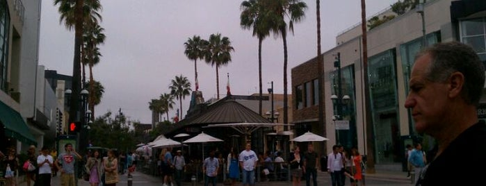 Third Street Promenade is one of Essential Los Angeles.