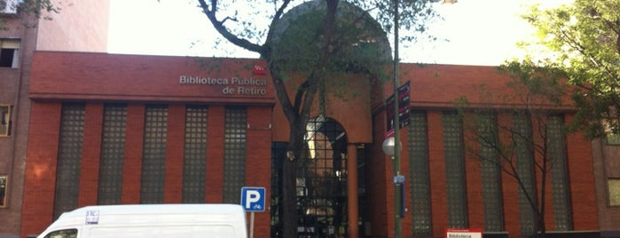 Biblioteca Pública de Retiro is one of Nuestro barrio.