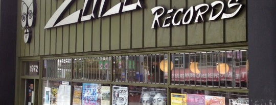 Zulu Records is one of Tempat yang Disukai Stacey.