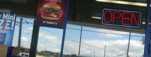 Dairy Queen is one of Orte, die Devin gefallen.