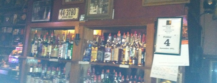 Dave's Foxhead Tavern is one of Iowa City Barmaster.